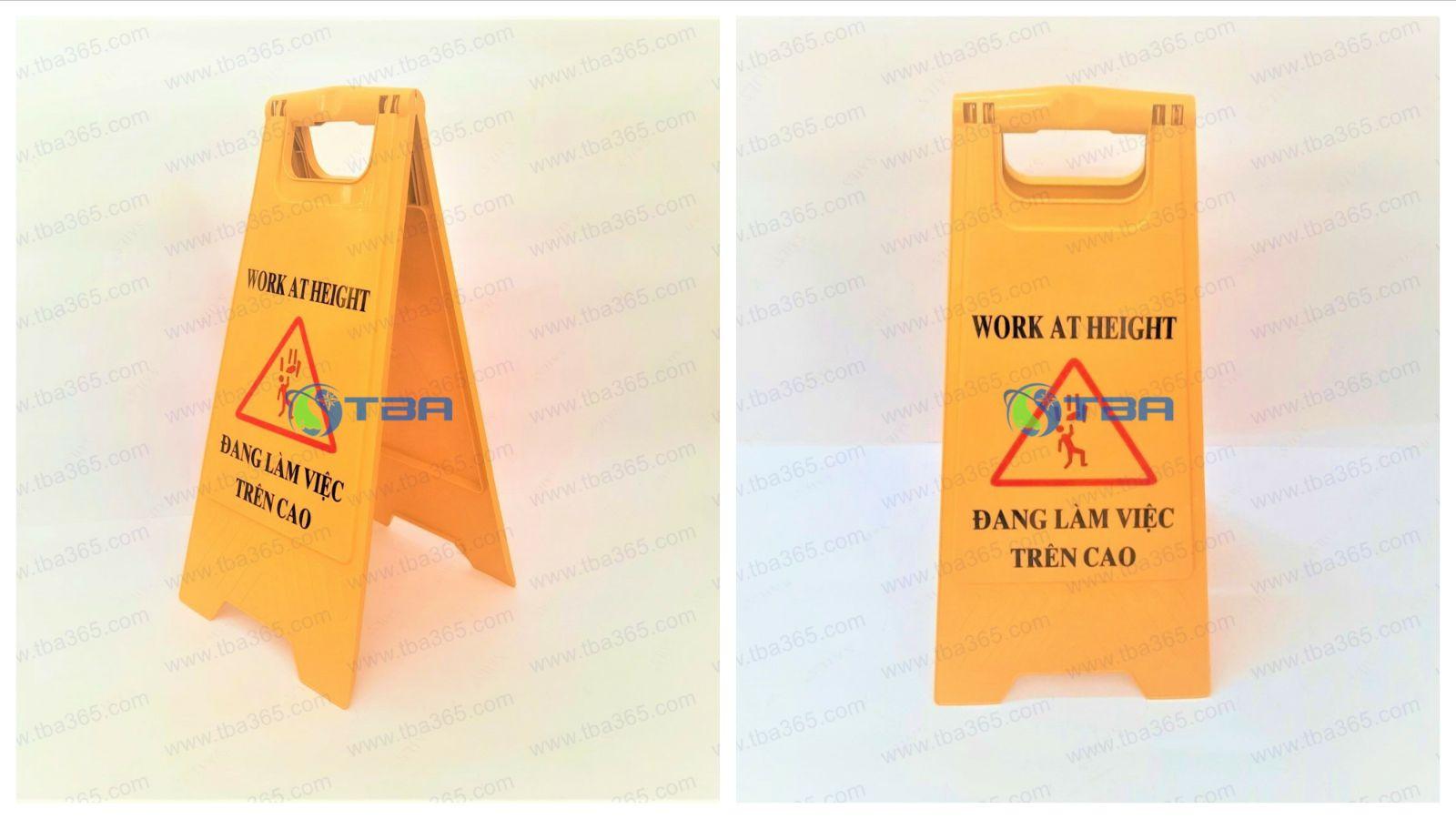 Bảng nhựa cảnh báo chữ A Làm việc trên cao