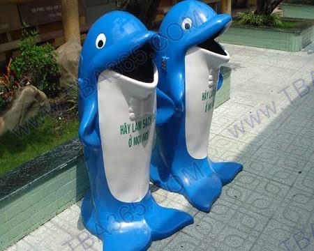 Thùng rác hình cá heo - tba365