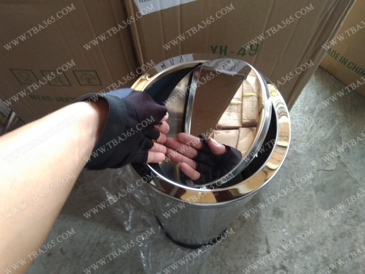 Thùng rác inox nắp lật giá rẻ Á CHÂU